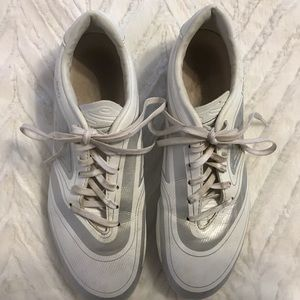 Umbro soccer cleats woman's 9, excellent condition